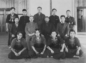 徳島高等工業学校剣道部(現在の徳島大学工学部)での写真2